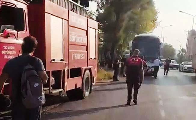 Denizli'den yola çıkan otobüs otomobil ile çarpıştı