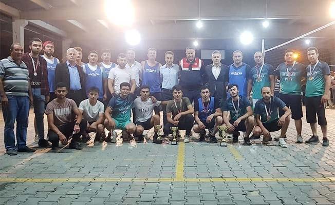 Denizli'de Zafer Kupası Voleybol Turnuvasında şampiyonun adı Gemiş oldu