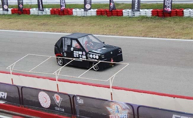 Denizlili öğrencilerin tasarladığı 'Karaman' en hızlı araç olarak kayıtlara geçti