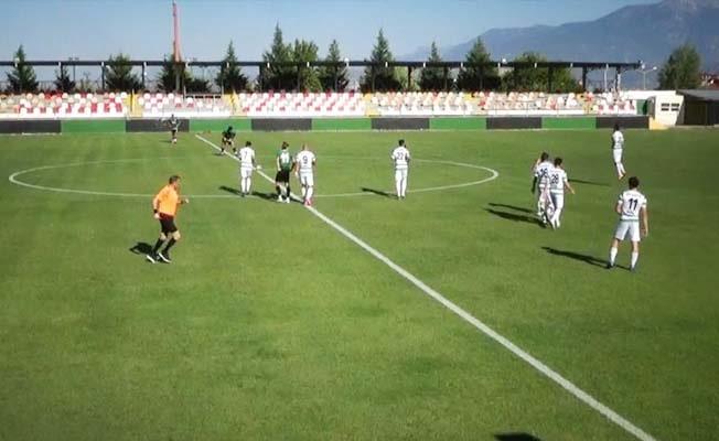 Denizlispor U19 takımı, hazırlık maçında Efeler09 SFK'ya 4-3 yenildi