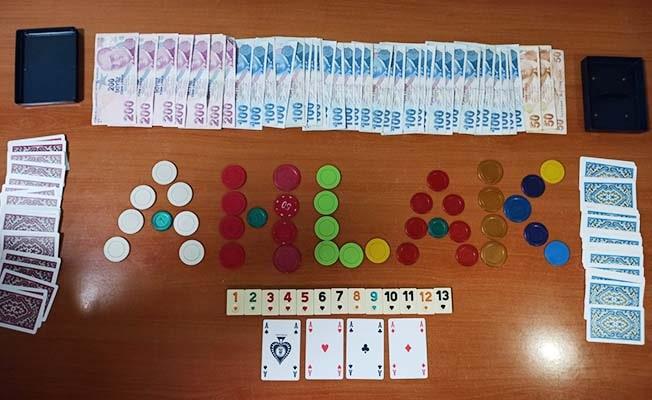 İş yerinde kumar oynayan 9 kişiye 12 bin TL ceza