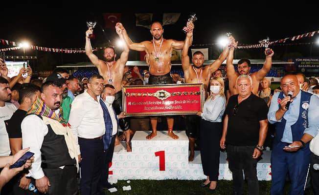 Merkezefendi Yağlı Güreşlerinde Başpehlivan Ali Gürbüz oldu