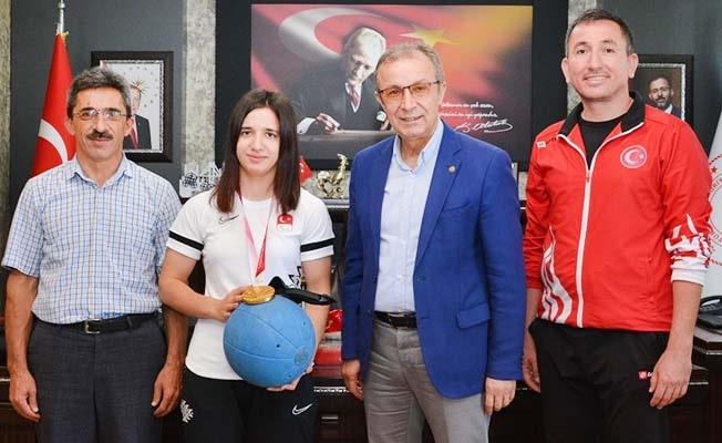 Olimpiyat şampiyonu Şeyda Nur Kaplan'dan İbanoğlu'na ziyaret