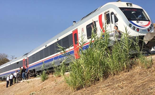 Denizli-İzmir seferini yapan trenin çarptığı yaşlı kadın hayatını kaybetti