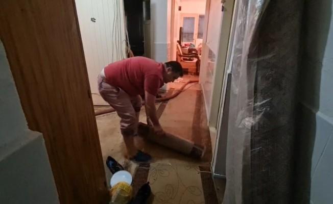 Nazilli'de 10 dakikalık dolu yağış hayatı olumsuz etkiledi