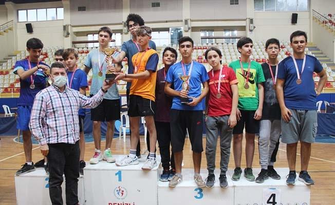 Pamukkale Belediyesi masa tenisi il birinciliğine damga vurdu