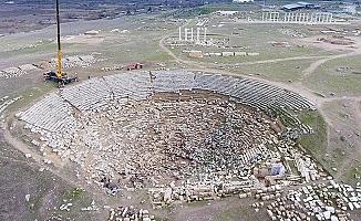 Laodikeia'da Günümüz Tiyatro Oturma Düzeninin 2 bin 200 Yıllık İzleri