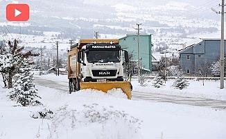 Pamukkale'de karla mücadele çalışmaları sürüyor