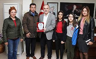 Öğrencilerden Başkan Gürlesin'e teşekkür