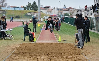 Sezonun ilk pist deneme yarışlarında 260 sporcu ter döktü