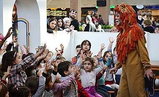 Çocuklar, Forum Çamlık Çocuk Kulübü'nün büyülü dünyasında buluşuyor
