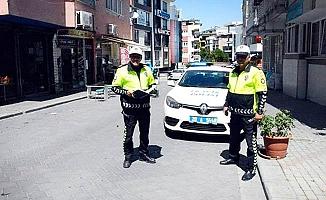Denizli'de kaldırıma park eden araçlara ceza