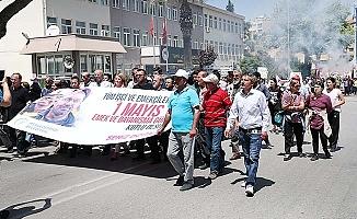 Başkan Doğan, Emekçilerle beraber yürüdü