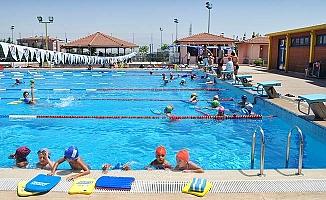 Atatürk Yüzme Havuzu kapılarını açıyor