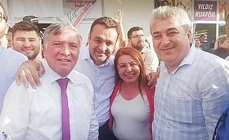 Honaz'da CHP'liler kutlamalara başladı