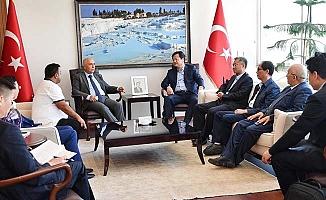Turizm bölgeleri için Denizli'ye gelen Çin heyeti Vali Karahan'ı ziyaret etti