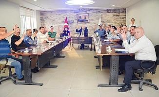 Huzur hakkı ödemelerini Mehmetçik Vakfı'na bağışladılar