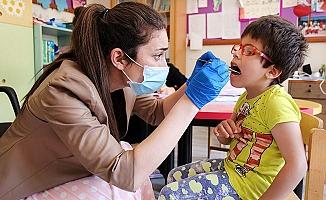 """""""Ağız ve diş sağlığı problemlerini ortaya çıkmadan önce engellenmeli"""""""