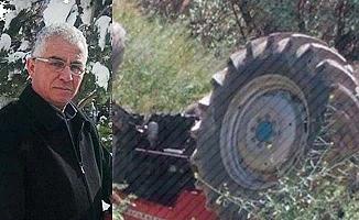 Devrilen traktör can aldı