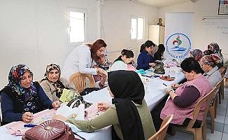 Pamukkaleli kadınlar el sanatlarında ustalaşıyor