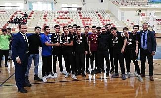 Futsal'da şampiyonlar madalyalarını aldı