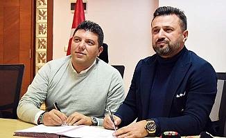 Bülent Uygun Horoz'a imza attı