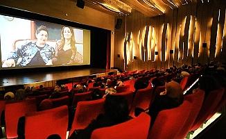 Sevgililer Gününde 500 kadına sinema keyfi