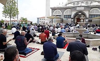 Denizli'de 74 gün sonra ilk Cuma namazı