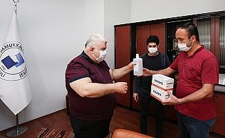 PAÜ, yeni normal döneme dezenfektan ve maske dağıtımı ile başladı
