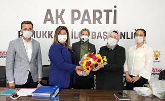 AK Parti Pamukkale Kadın Kolları'nda nöbet değişimi