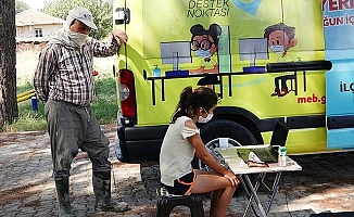 'EBA mobil destek aracı' Sarayköy'de hayata geçti