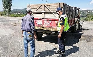 Jandarma trafikte 'Olmazsa Olmaz!'ları denetledi
