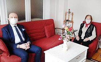 Başkan Özbaş, Öğretmenler Günü kutlama geleneğini sürdürdü