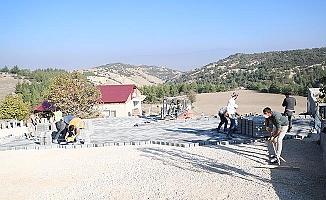 Karakurt'a 6 bin metrekare parke taşı döşendi