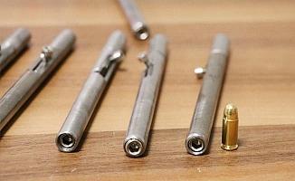 Filmleri aratmayan operasyonla 50 tane kalem silahyakalandı