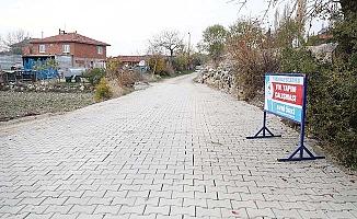 Pamukkale'nin mahallelerinde beton kilit parke taşı döşeme atağı sürüyor