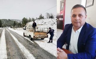 Çal'da kar yolları kapadı, Başkan çok mutlu oldu