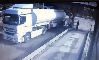 Çalıştıkları fabrikadan 25 ton yakıt çalan işçiler kameraya yakalandı