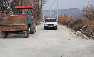 Çeşmebaşı sokakları yenilendi