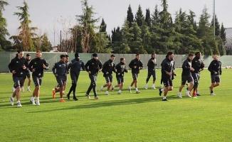 Denizlispor'da bir futbolcunun testi pozitif çıktı
