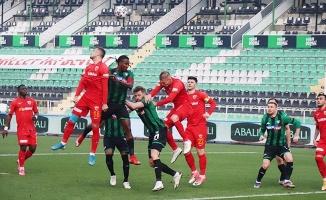 İlk yarı sonucu: Y. Denizlispor: 0 - HK Kayserispor: 1