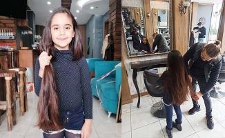 Minik Zeynep hiç kesilmeyen saçlarını lösemili çocuklara bağışladı