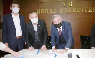 Honaz Belediyesi'nde toplu iş sözleşmesi imzalandı