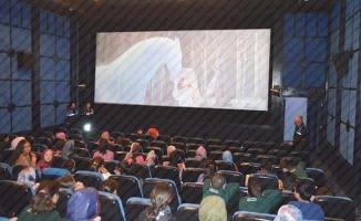 Mart'ta açılması hedeflenen sinema salonlarında tarih ertelendi