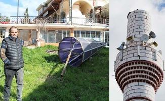 Şiddetli rüzgar cami minaresinin külahını uçurdu