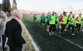 BAL'da mücadele edecek Sarayköyspor'u Başkan Özbaş ilk antrenmanında yalnız bırakmadı