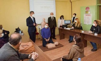 Öğretmenlere ilk yardım eğitimleri devam ediyor