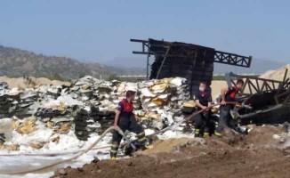 Aydın'da zift fabrikasında yangın