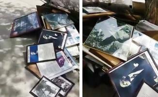 Çöpe atılan Atatürk posterleri ve İstiklal Marşı tabloları nedeniyle müdür görevden uzaklaştırıldı