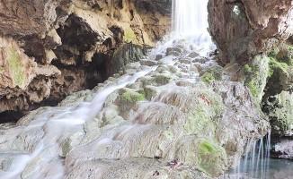 Denizli'de 2 milyon yıllık 'Yeraltı Pamukkale'si şifa dağıtmaya devam ediyor